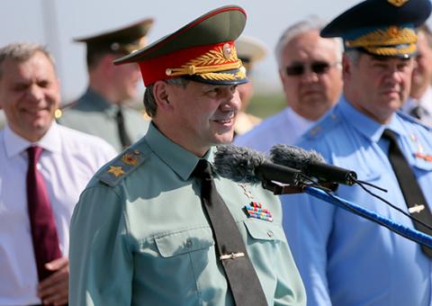 Министр обороны открыл новую ВПП в ГЛИЦ