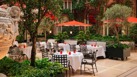 14 летних террас в парижских отелях
