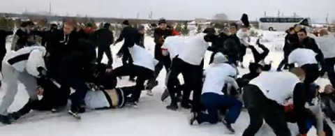 Видео массовой драки между Е…