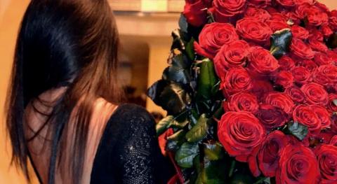 Сотня роз для селфи. Кому ну…