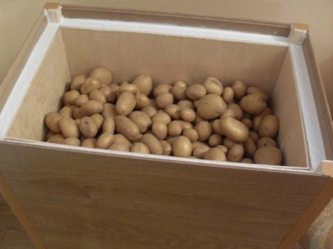 Как хранить картошку на балконе - рациональные способы. Как и для чего использовать пекарскую бумагу