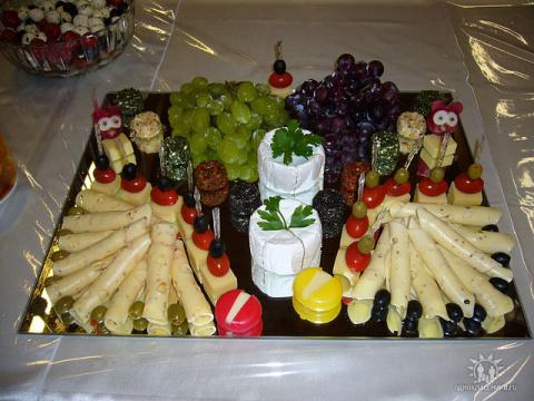 Шикарные украшения праздничного стола