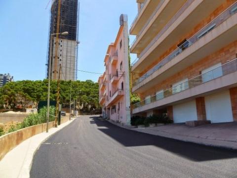 Самое тонкое здание Ливана б…