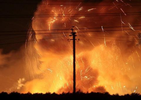 Порошенко созвал заседание «военного кабинета» из-за пожара на складе боеприпасов под Винницей