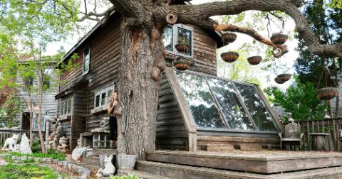 Дом мечты — долгих 35 лет эта женщина украшала свой дом