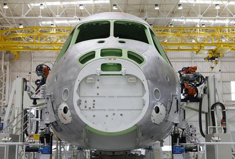 Провал в центре строя. Чем Россия сможет заменить ветерана транспортной авиации Ан-12?