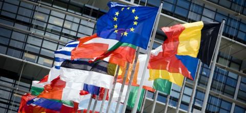 Европа требует снять санкции…