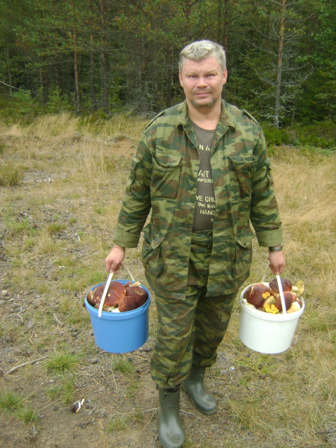 Муж собирает грибы а я мариную на зиму!