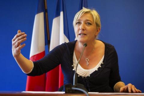 Марин Ле Пен: - «Я СКЛОНЯЮ ГОЛОВУ ПЕРЕД РОССИЕЙ!»