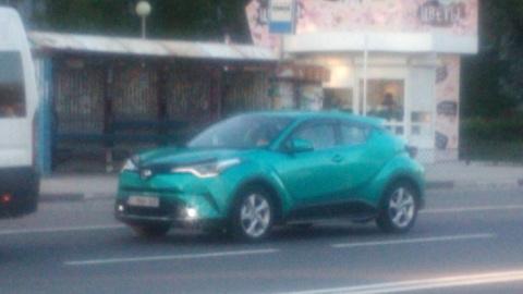 Кроссовер Toyota C-HR в Толь…