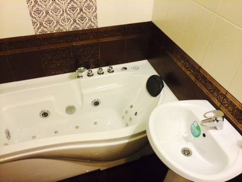 Ремонт в ванной комнате рука…