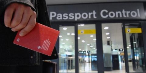 В столичных аэропортах ФСБ начала проверять документы у пассажиров из Минска