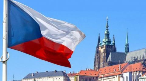 Чешский парламент признает р…