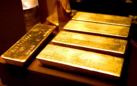 Путин меняет бумаги США на золото