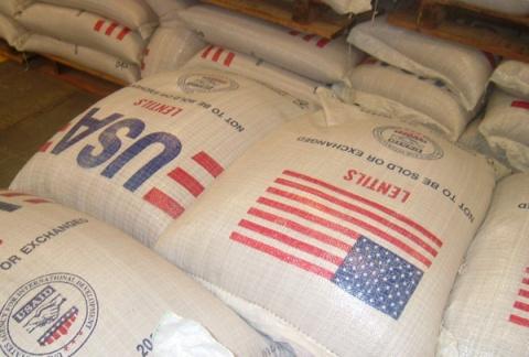Вся подлость американцев проявляется в оказании гуманитарной помощи