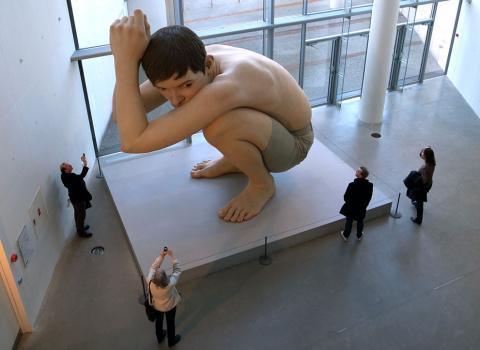 Гиперреалистические скульптуры Рона Муека (Ron Mueck)