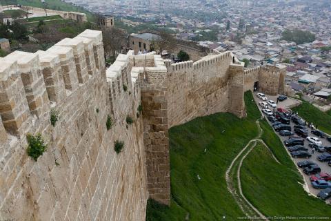 Крепость самого древнего гор…