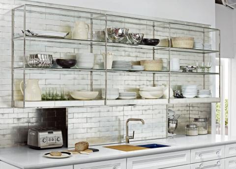Открытые полки на кухне – бо…