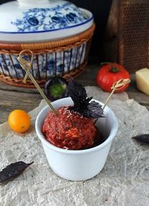 Гречневые митболы в томатном соусе