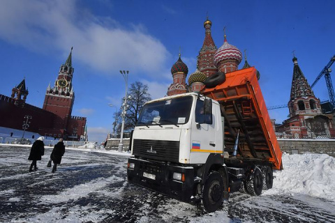 В московских аэропортах из-за непогоды задержали и отменили более 50 рейсов