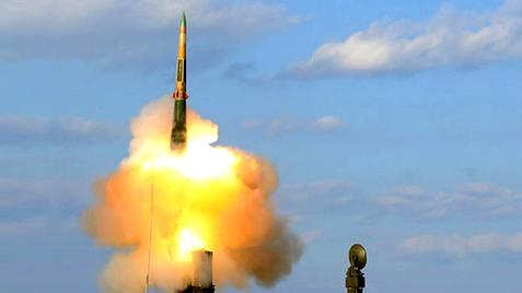 СМИ: Российский ЗРК С-300 мо…