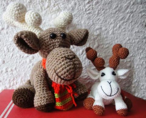 Вязаный рождественский олень крючком. МК на видео