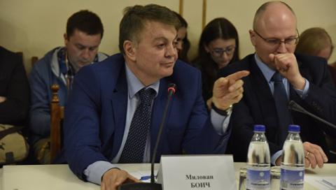 Слова евродепутата об украинских санкциях за визит в Крым сорвали овации