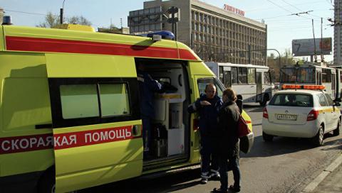 В Петербурге машина сбила дв…