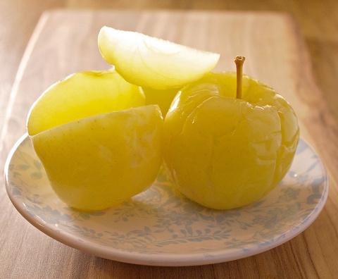 Моченые яблоки с мятой и медом и еще 4 рецепта полезных заготовок