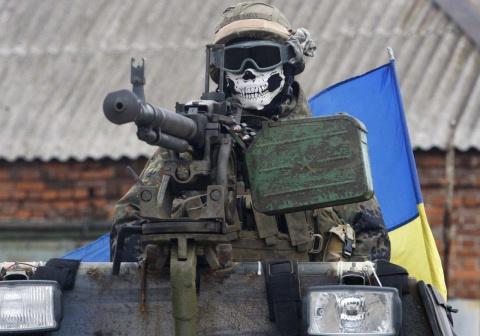 Украинские террористы «отжимают» имущество и еду у жителей Донбасса