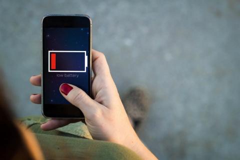 Продлеваем жизнь: 8 неожиданных причин, почему ваш смартфон разряжается так быстро