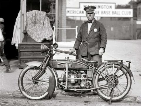 Мотоциклисты на снимках амер…
