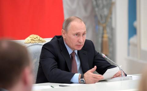 Путин упростит получение пас…