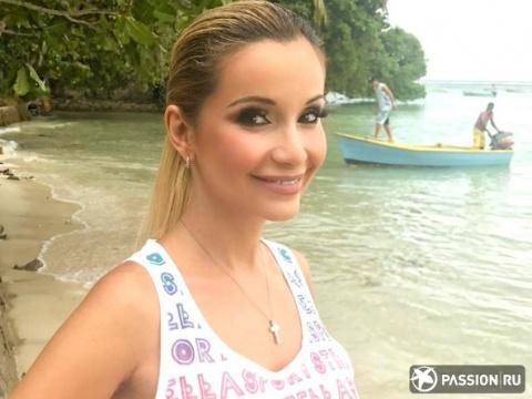 «В таком возрасте так не делают»: 39-летняя Ольга Орлова вызывает зависть идеальным телом в купальнике