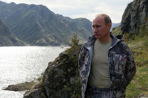 Как Путин очень больно ударил мировую элиту в коленную чашечку.