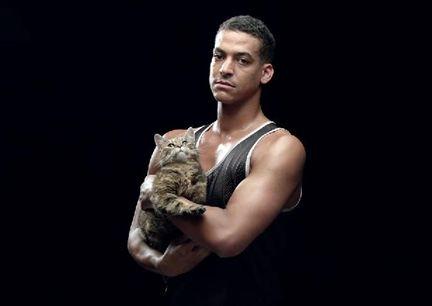 Mars нанял спортсменов рекламировать еду для котиков