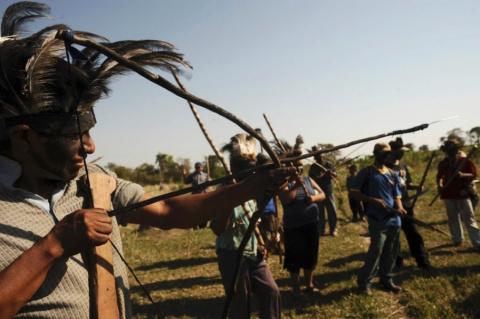 Первая встреча с изолированно живущии индейцами