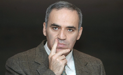 Каспаров набросился на Крым:…