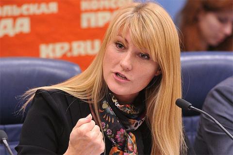 Журова: Россия не должна отвечать на санкции Украины
