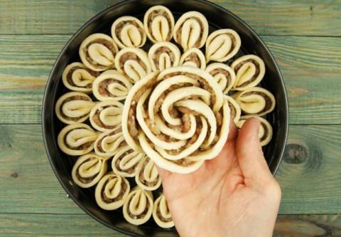 Оригинальный пирог с мясом «Хризантема»