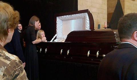 За гроб Марьянова заплатили …
