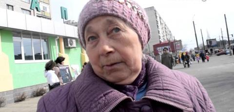 Мынепророссийские, мы— русские! — отважная женщина поставила провокатора-оккупанта наместо (ВИДЕО)