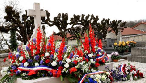 Франция: осквернена могила Шарля де Голля