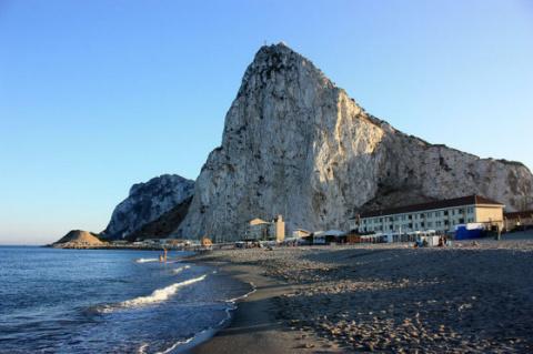 Гибралтар примет в переговорах по Brexit прямое участие — Тереза Мэй