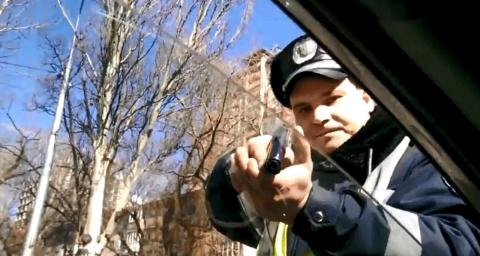 Украина. Беспредел сотрудников ГАИ (видео 18+)