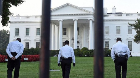 Secret Service boosts security outside White House