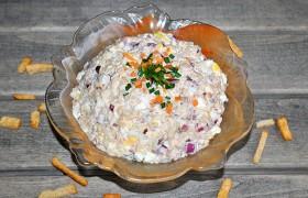 Салат с консервированной гор…