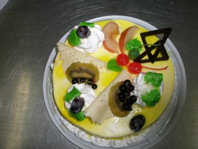 торт фруктово-ягодный