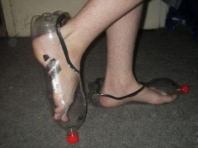 Купила мама Вовке отличные кроссовки...