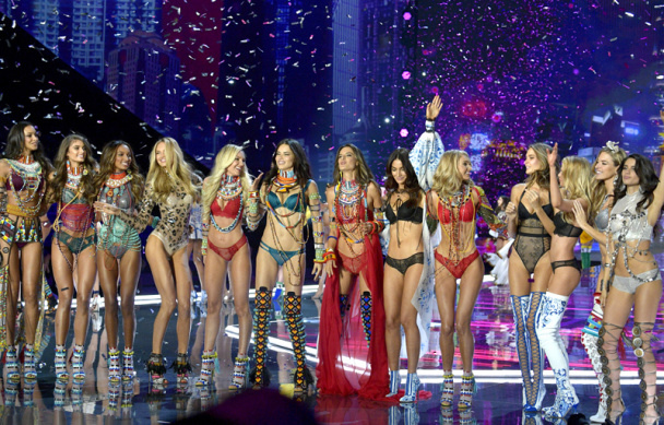 Почему отменили Victoria's Secret Fashion Show